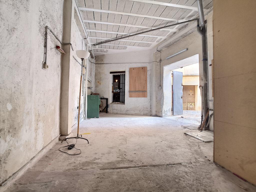 Appartement à louer 4 64.18m2 à Saint-Laurent-du-Var vignette-8