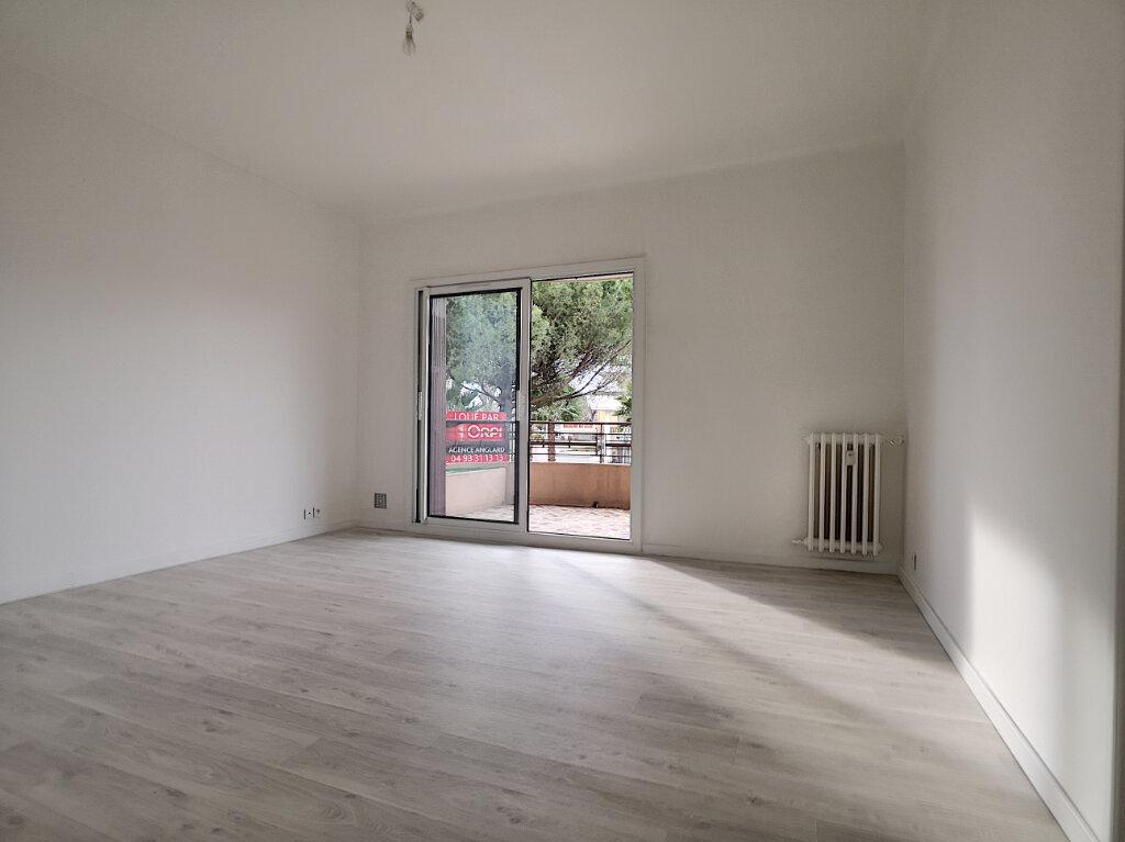 Appartement à louer 2 43.24m2 à Cagnes-sur-Mer vignette-1
