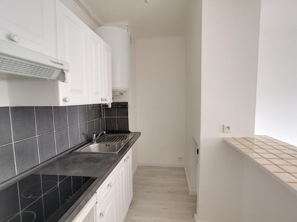 Appartement à louer 2 43.24m2 à Cagnes-sur-Mer vignette-4