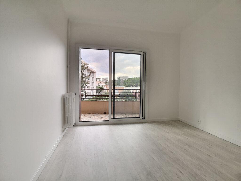 Appartement à louer 2 43.24m2 à Cagnes-sur-Mer vignette-5