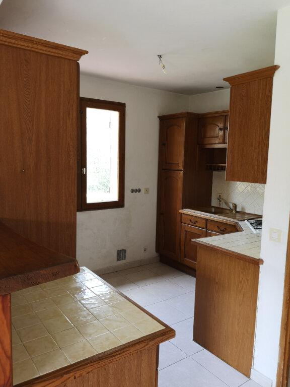 Appartement à louer 3 77m2 à Saint-Laurent-du-Var vignette-8