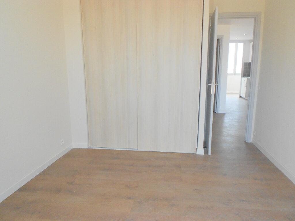 Appartement à louer 3 61.19m2 à Saint-Laurent-du-Var vignette-4