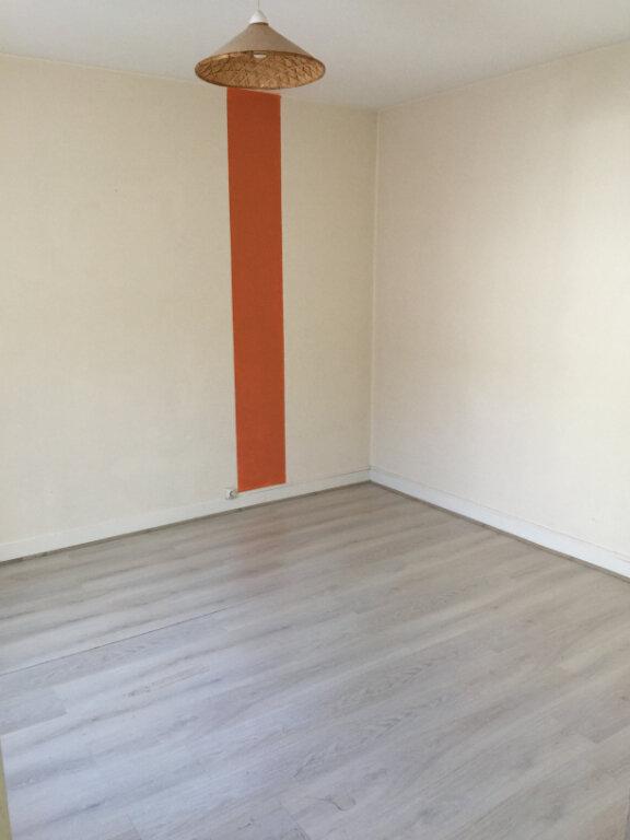 Appartement à louer 3 45m2 à Nancy vignette-4