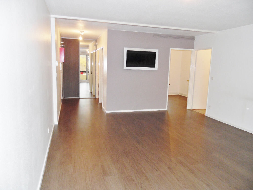 Appartement à louer 5 84m2 à Metz vignette-2