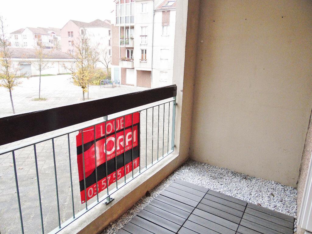 Appartement à louer 5 84m2 à Metz vignette-4