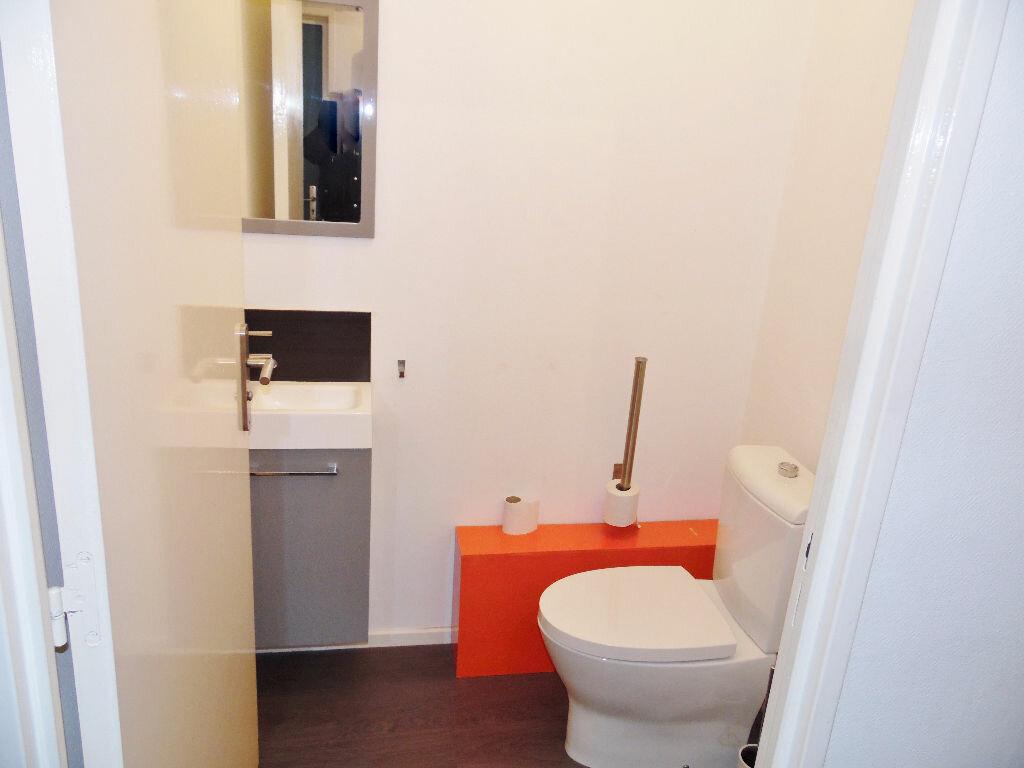 Appartement à louer 5 84m2 à Metz vignette-9