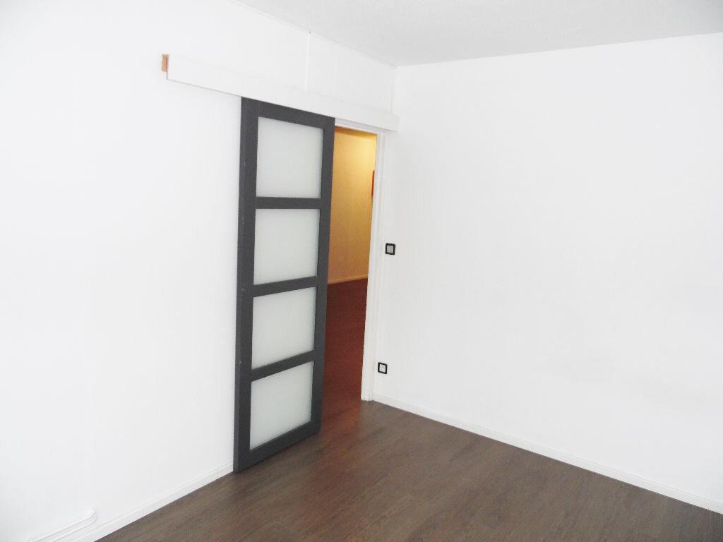 Appartement à louer 5 84m2 à Metz vignette-11