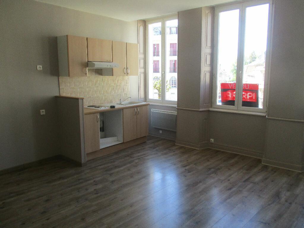 Appartement à vendre 2 49m2 à Verdun vignette-2