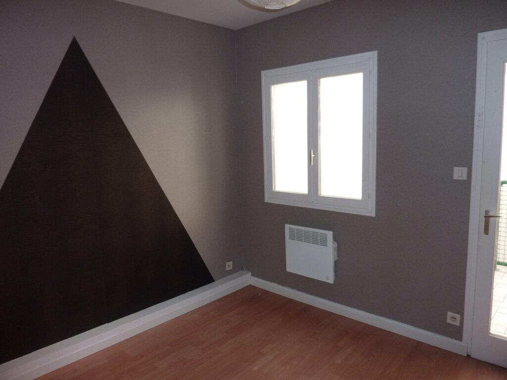Appartement à louer 3 66m2 à Verdun vignette-4