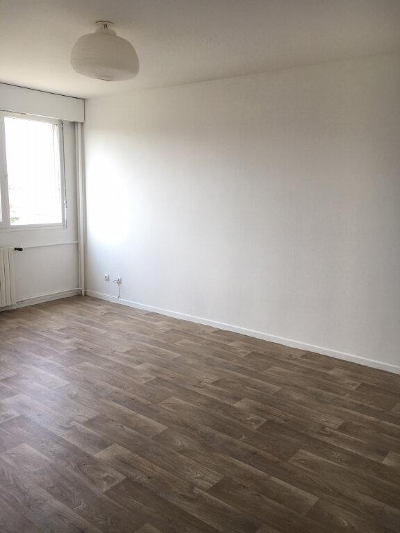 Appartement à louer 2 50m2 à Metz vignette-3