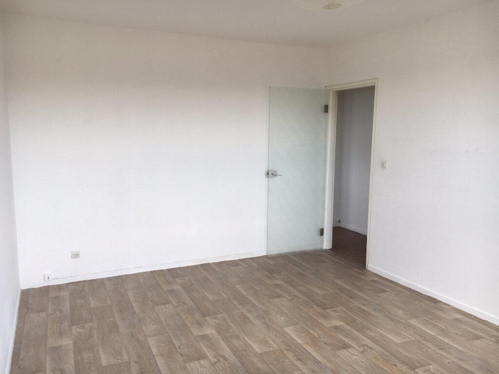 Appartement à louer 2 50m2 à Metz vignette-7