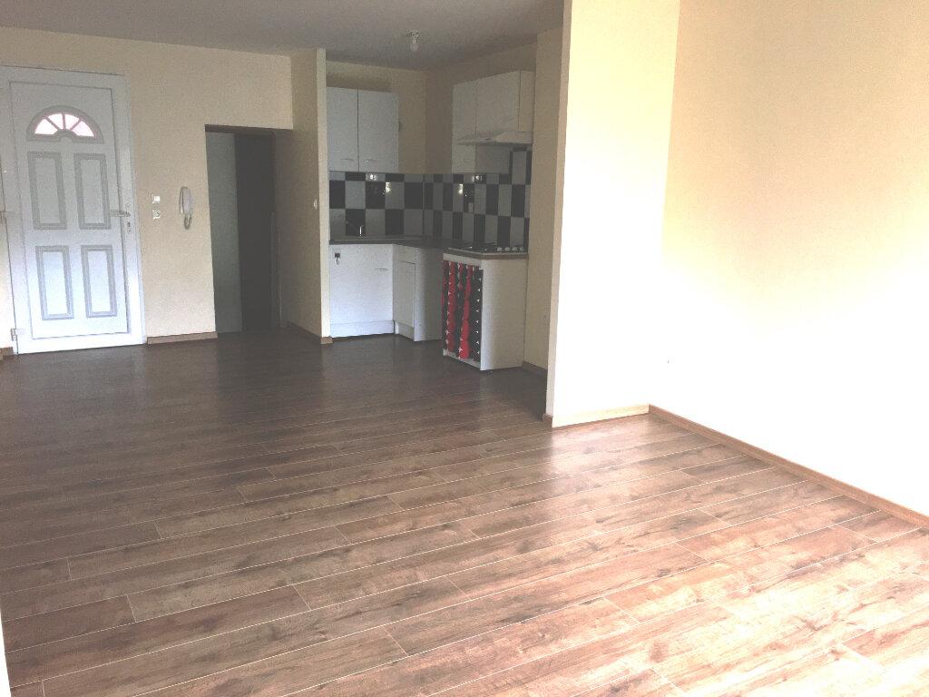 Appartement à louer 3 49.27m2 à Ars-sur-Moselle vignette-2