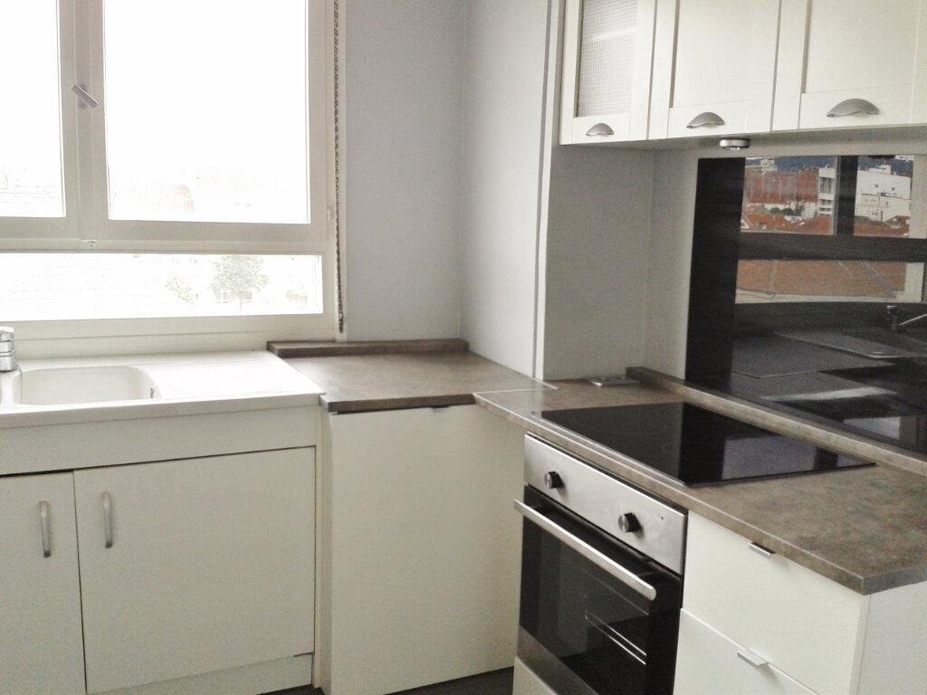 Appartement à louer 3 58.66m2 à Metz vignette-2