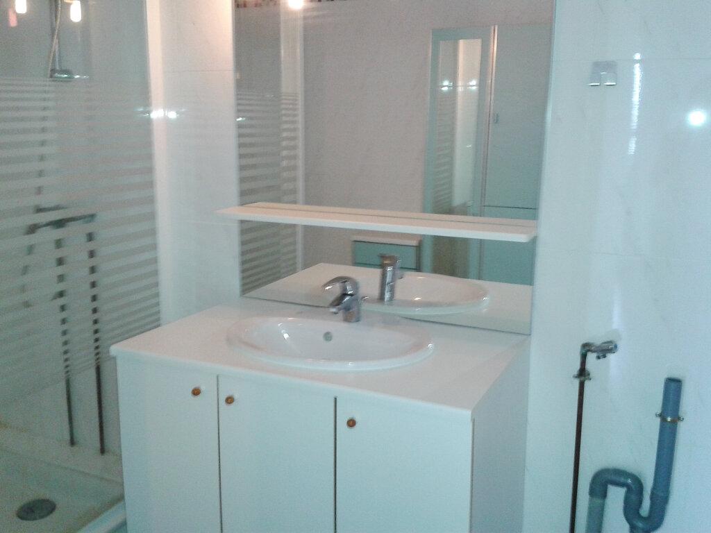 Appartement à louer 3 58.66m2 à Metz vignette-4