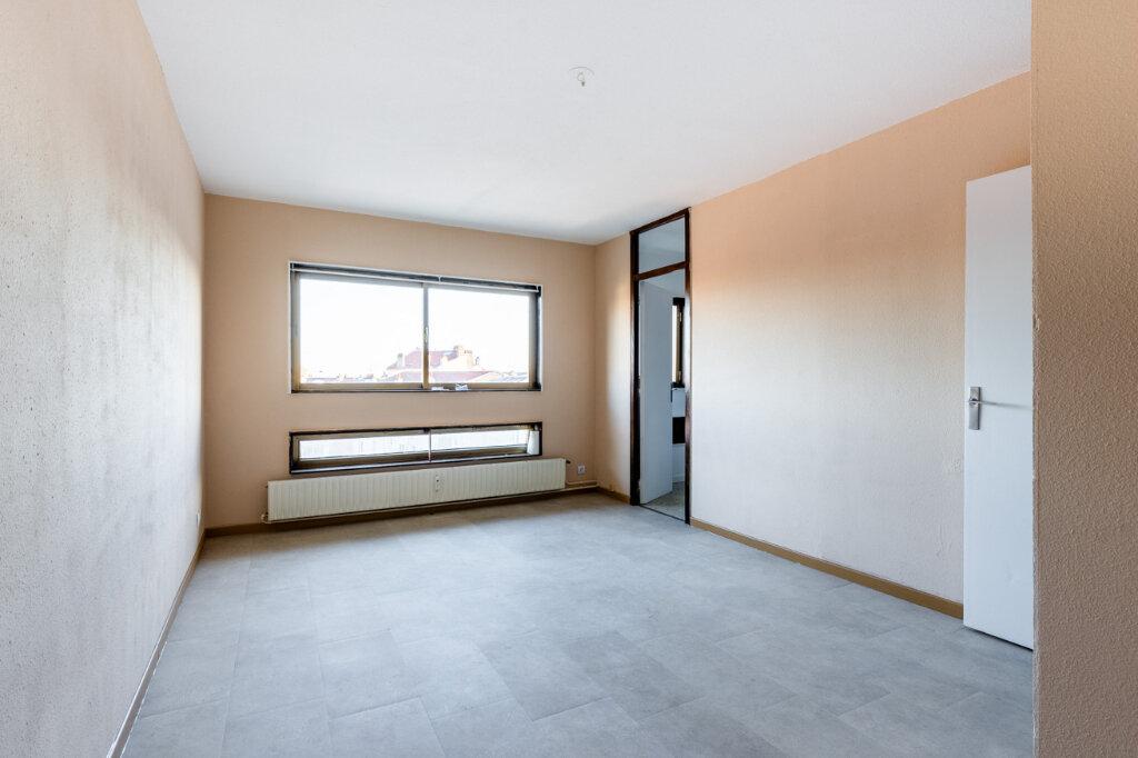 Appartement à vendre 1 25m2 à Nancy vignette-2