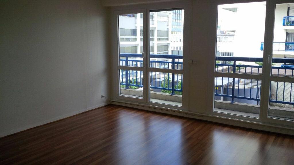 Appartement à louer 3 73.33m2 à Nancy vignette-1