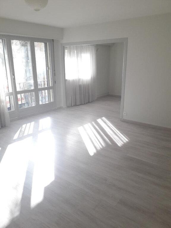 Appartement à louer 4 79.88m2 à Nancy vignette-3