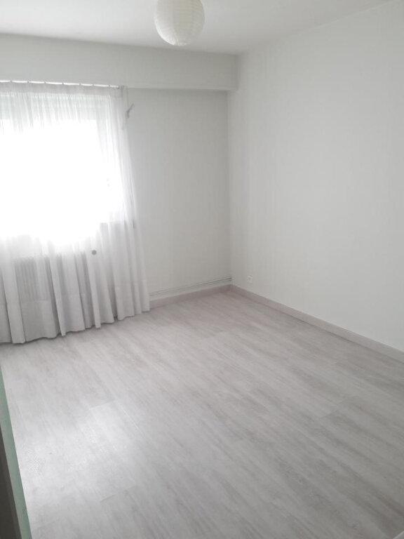 Appartement à louer 4 79.88m2 à Nancy vignette-6