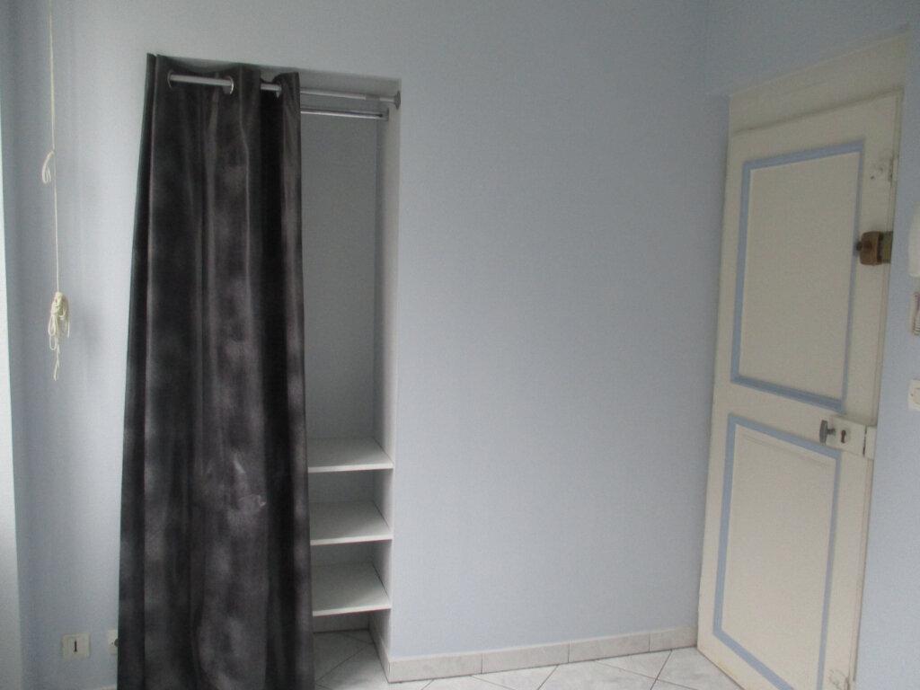 Appartement à louer 4 103m2 à Verdun vignette-3