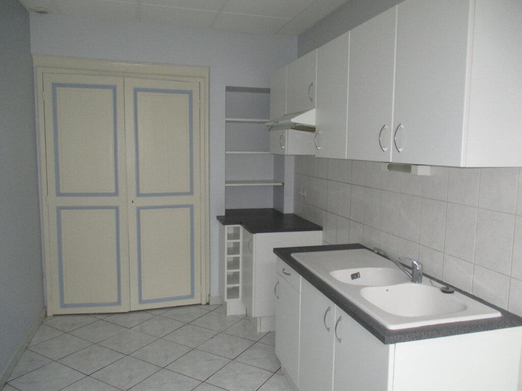 Appartement à louer 4 103m2 à Verdun vignette-4