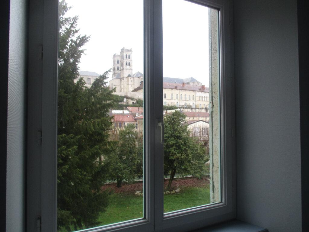 Appartement à louer 4 103m2 à Verdun vignette-5