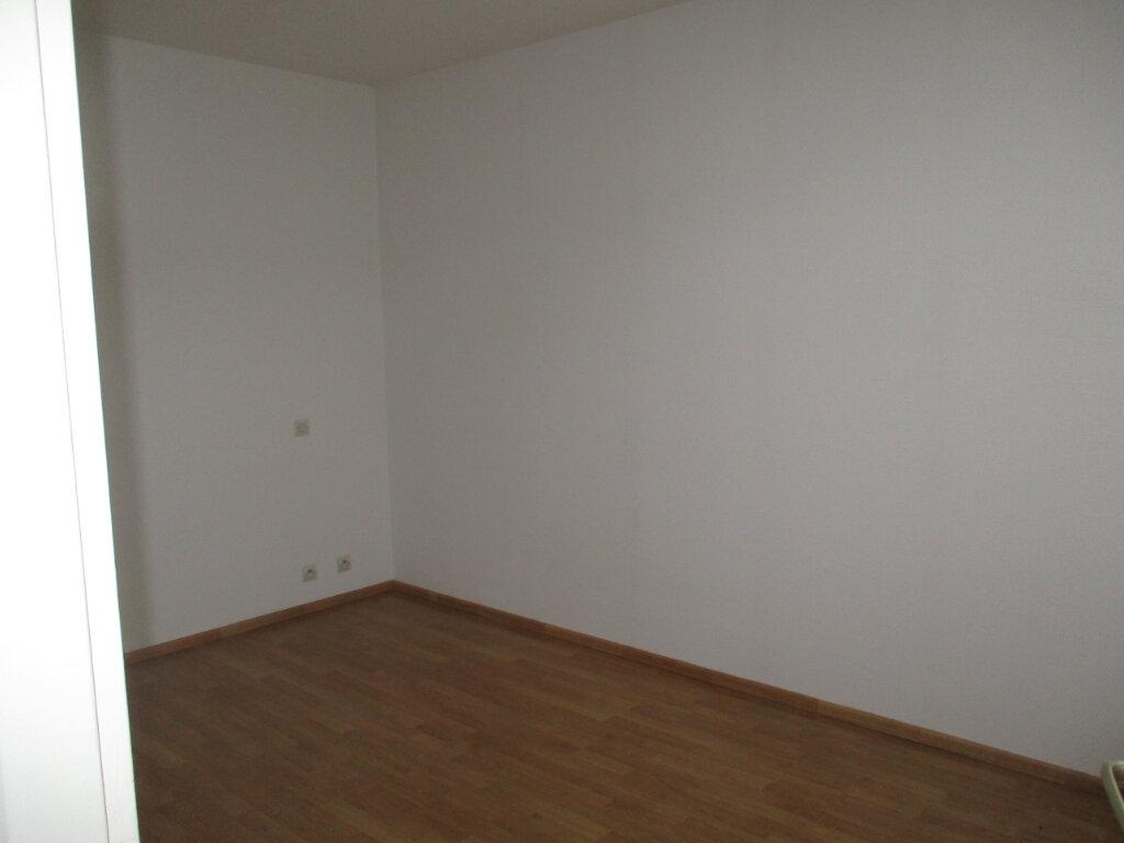 Appartement à louer 4 103m2 à Verdun vignette-9