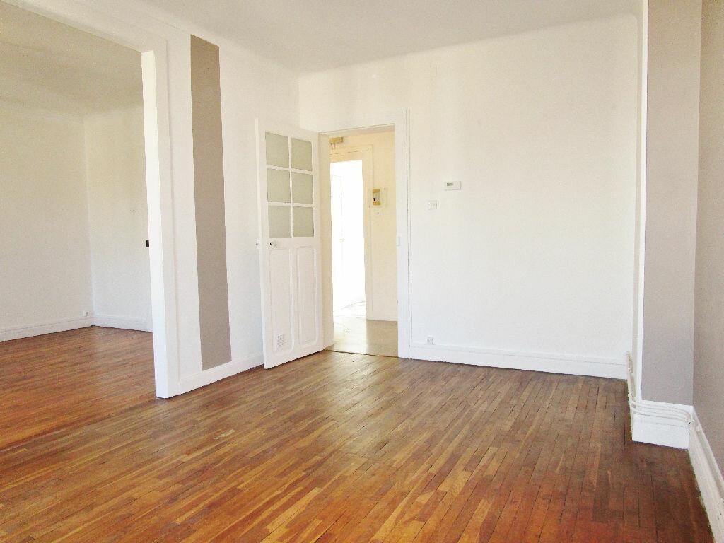 Appartement à louer 2 49.33m2 à Metz vignette-3