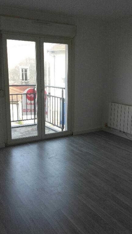 Appartement à louer 3 57.33m2 à Nancy vignette-1