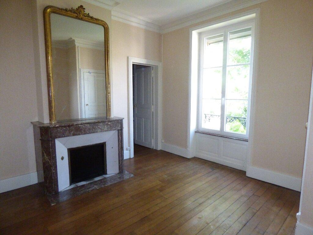 Appartement à louer 5 139.72m2 à Nancy vignette-1