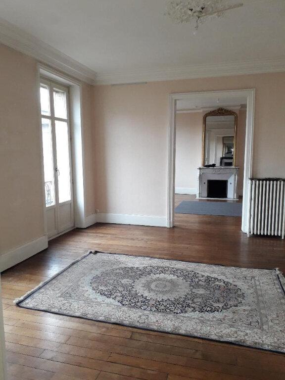 Appartement à louer 5 139.72m2 à Nancy vignette-2
