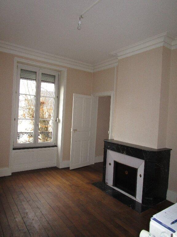 Appartement à louer 5 139.72m2 à Nancy vignette-7