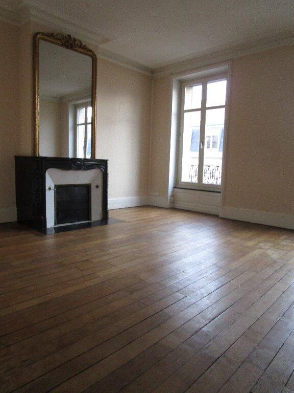 Appartement à louer 5 139.72m2 à Nancy vignette-11