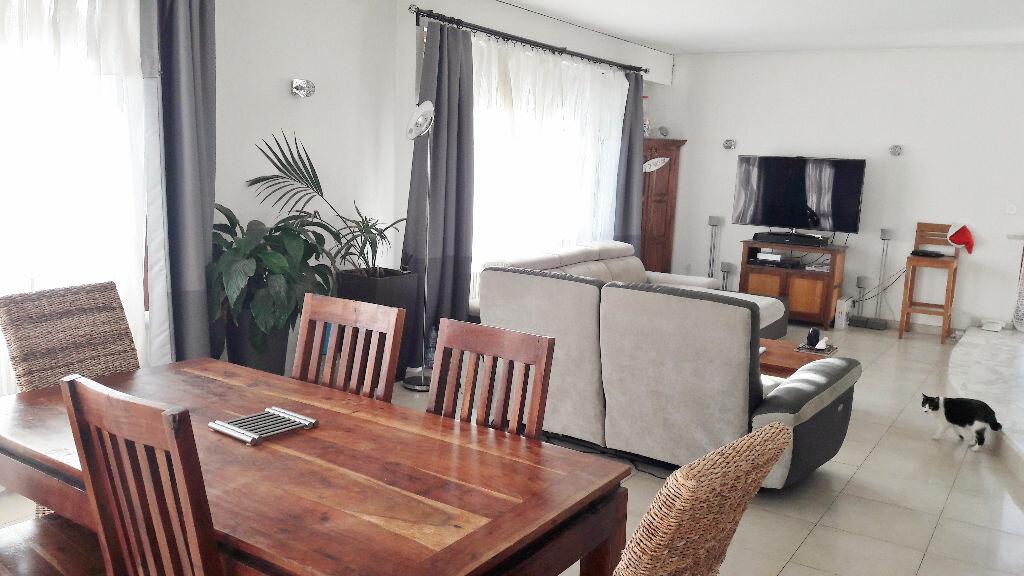 Appartement à louer 6 180m2 à Metz vignette-1
