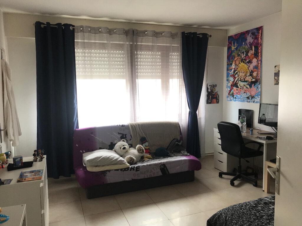 Appartement à louer 6 180m2 à Metz vignette-9