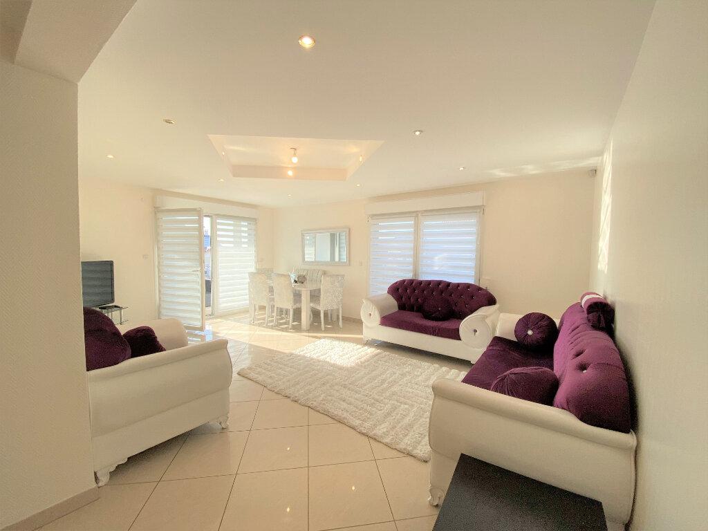 Appartement à vendre 6 124m2 à Metz vignette-1
