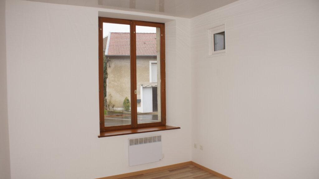 Appartement à louer 3 59m2 à Consenvoye vignette-2