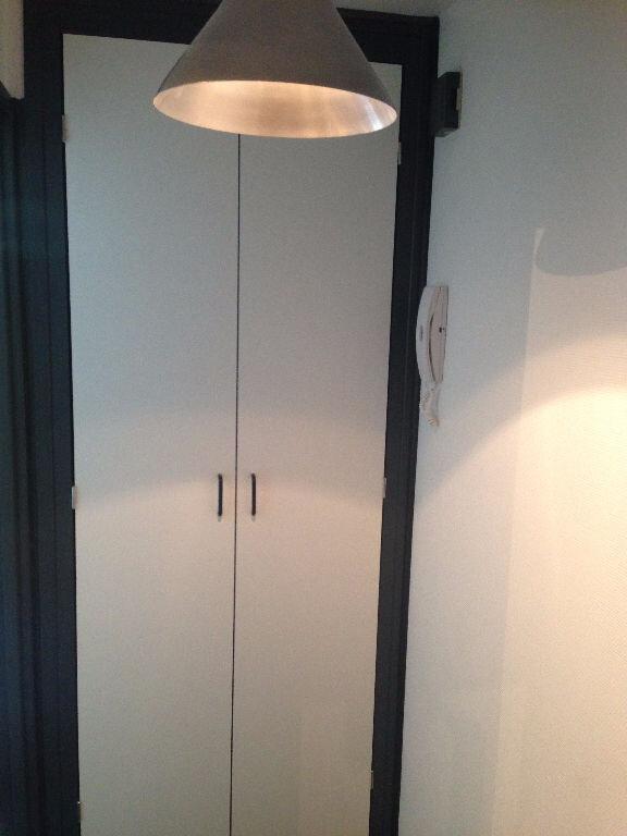 Appartement à louer 1 17m2 à Nancy vignette-5