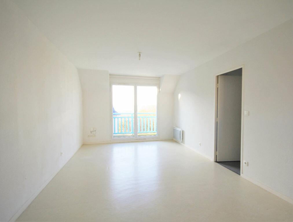 Appartement à louer 3 54m2 à Touques vignette-2