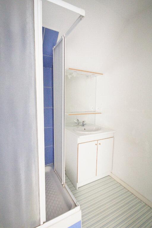 Appartement à louer 3 54m2 à Touques vignette-8