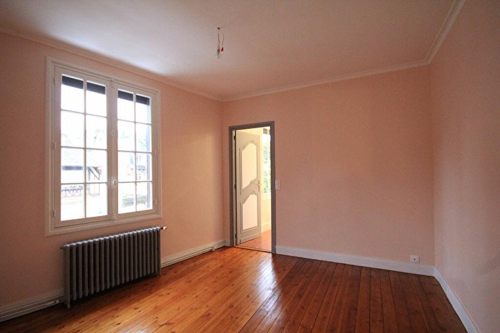 Maison à louer 3 93m2 à Trouville-sur-Mer vignette-5