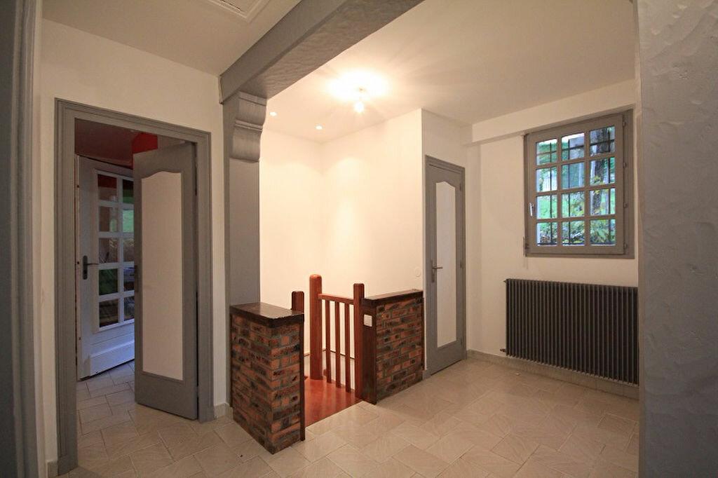 Maison à louer 3 93m2 à Trouville-sur-Mer vignette-7