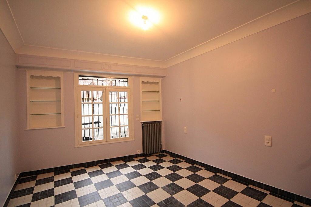 Maison à louer 3 93m2 à Trouville-sur-Mer vignette-8