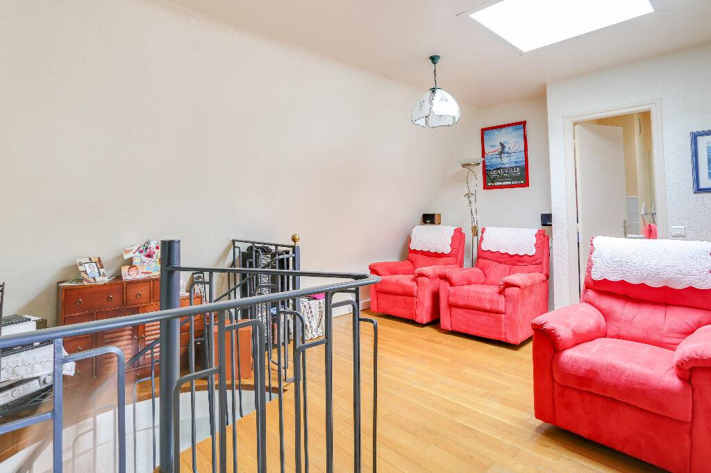 Appartement à vendre 5 112m2 à Trouville-sur-Mer vignette-10