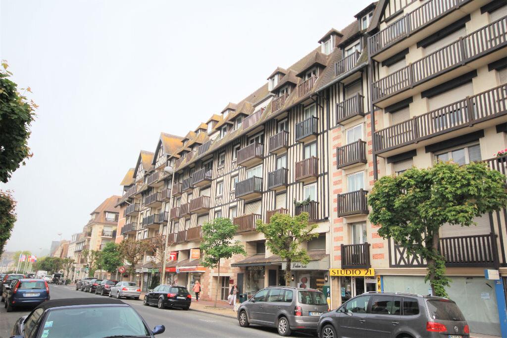 Appartement à vendre 1 30m2 à Deauville vignette-2