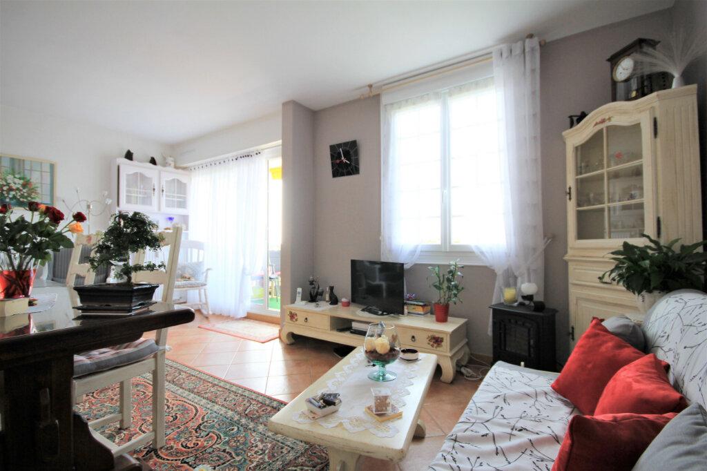 Appartement à vendre 2 54m2 à Trouville-sur-Mer vignette-3