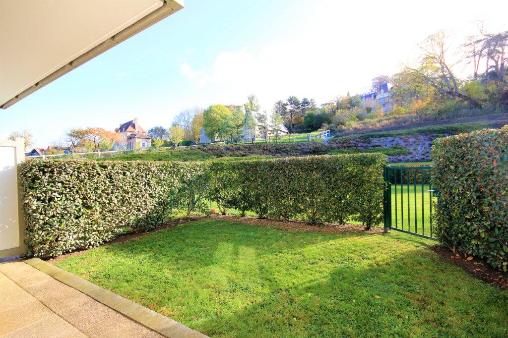 Appartement à vendre 3 63m2 à Deauville vignette-11