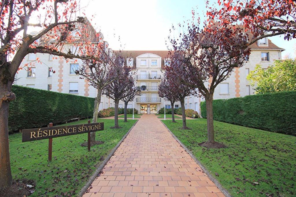 Appartement à louer 1 14.86m2 à Deauville vignette-1