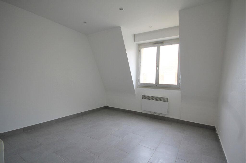 Appartement à louer 1 14.86m2 à Deauville vignette-2
