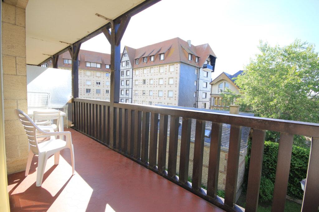 Appartement à louer 1 22.92m2 à Deauville vignette-1