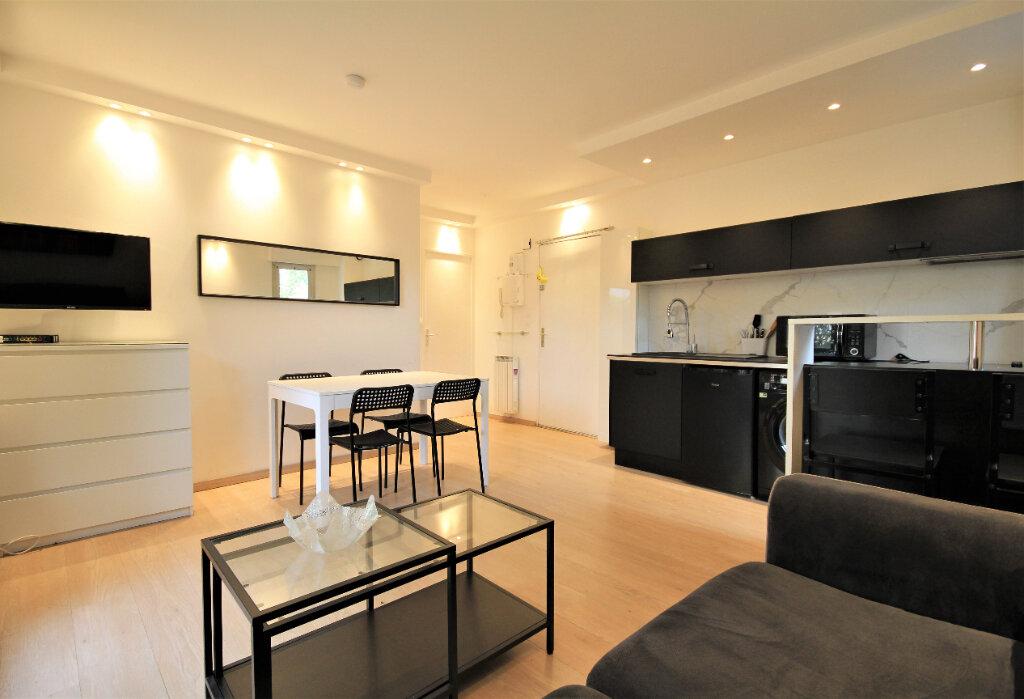 Appartement à louer 2 32.97m2 à Deauville vignette-1